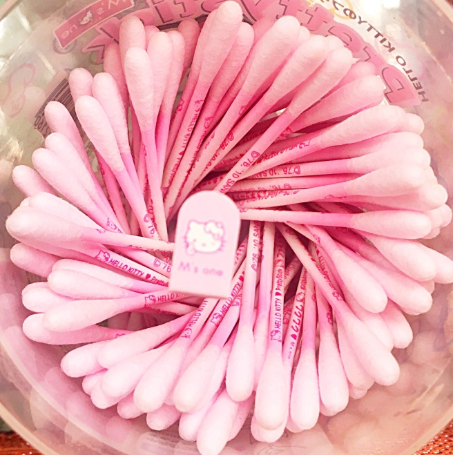 Makeup Tips with Q-Tips Cotton Swabs