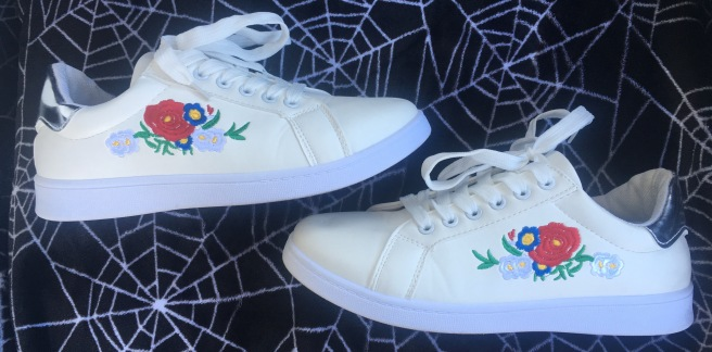 $15 Traffic Shoe Embroidered Floral Sneakers