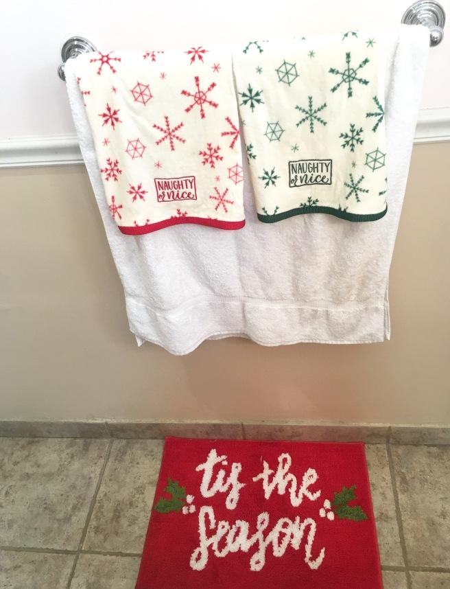 Holiday Home Decor - Bathroom