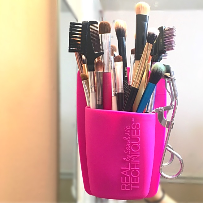 My Makeup Collection - Brushes Organizer