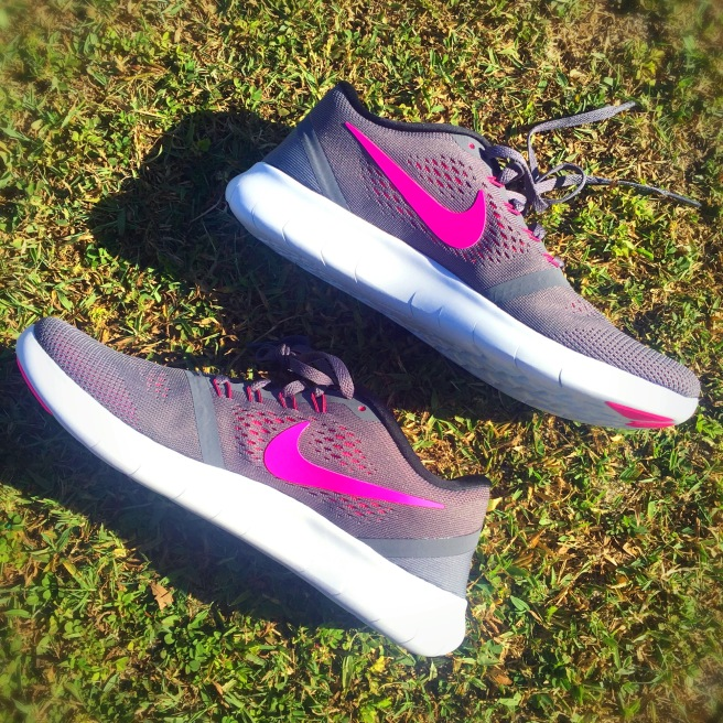 Athleisure Faves - Nike Womens Free RN