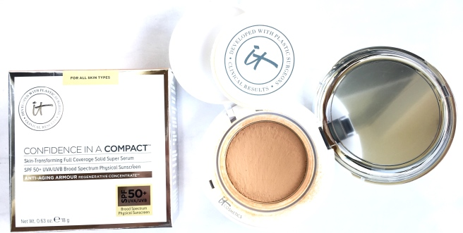 It Cosmetics Confidence in a Compact SPF 50+
